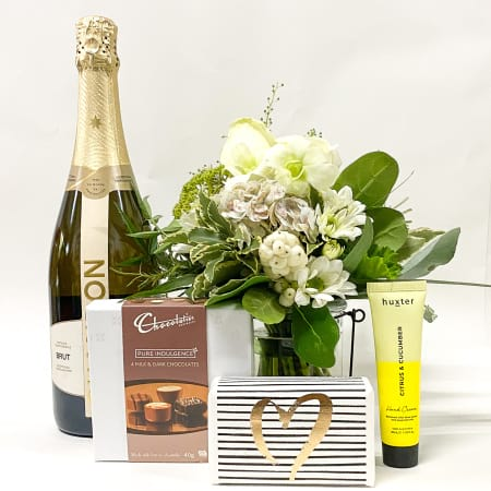 chandon, chocolate & flower pamper pack